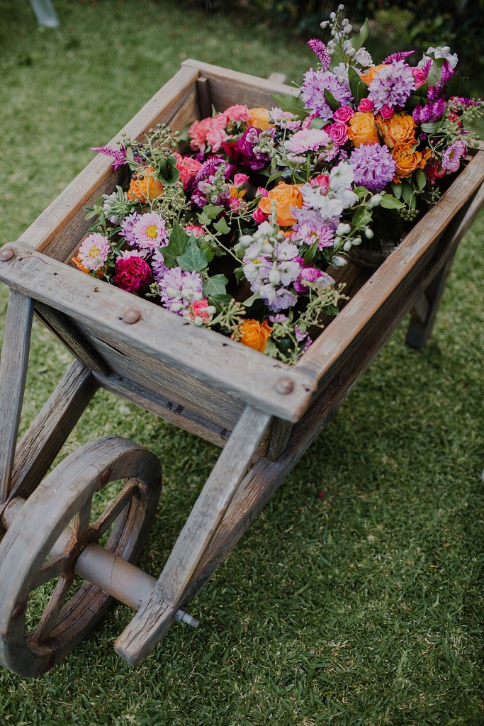 Autumn-Grove-Rustic-Wheelbarrow